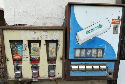 Zwischenbilanz der Generation X – Von Kaugummi-Automaten, Kittelschürzen, Zauberwürfeln bis hin zur digitalen Welt