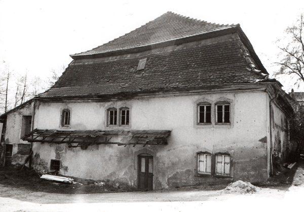 Von der historischen Mühle zum modernen Arzt- und Geschäftshaus